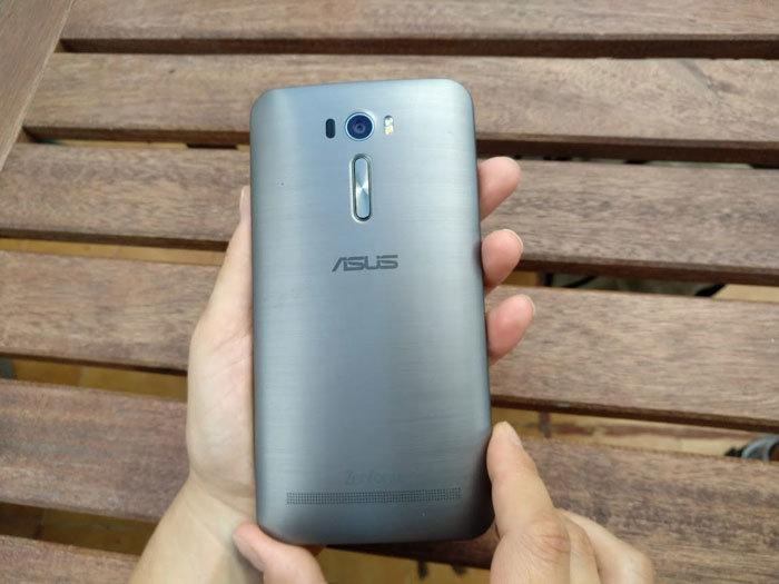 Asus Zenfone 2 Laser trasera